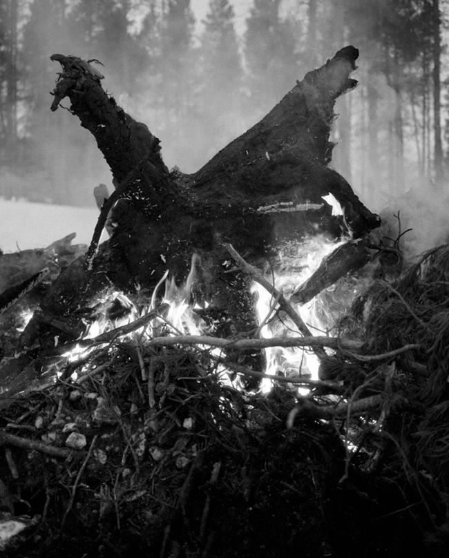 grantwilling_svartmetall_untitled-embers